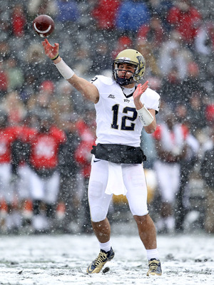 CINCINNATI, OH - DECEMBER 04:  Tino Sunseri #12 of the Pittsburgh Panthers throws the ball during the Big East Conference game against the Cincinnati Bearcats at Nippert Stadium on December 4, 2010 in Cincinnati, Ohio.  Pittsburgh won 28-10.  (Photo by An