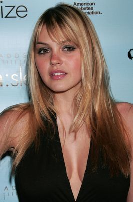 Aimee_teegarden-191_display_image