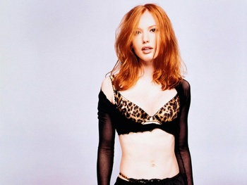 Alicia-witt-bra_wallpapers_1890_1280x960_display_image