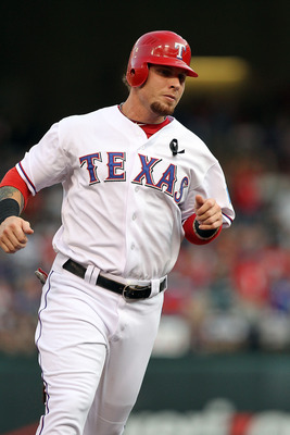 ARLINGTON, TX - JULY 08:  Josh Hamilton #32 of the Texas Rangers at Rangers Ballpark in Arlington on July 8, 2011 in Arlington, Texas.  (Photo by Ronald Martinez/Getty Images)