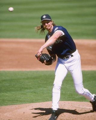 11 Mar 1998:  Pitcher Randy Johnson of the Seattle Mariners in action during a spring training game against the Arizona Diamondbacks at the Peoria Sports Complex in Peoria, Arizona. Mandatory Credit: Jed Jacobsohn  /Allsport