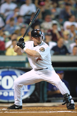 16 Jun 2001:  Jeff Bagwell of the Houston Astros stands at bat against the Texas Rangers during the game at Enron Field in Houston, Texas. The Astros defeated the Rangers 2-1. DIGITAL IMAGE. Mandatory Credit: Ronald Martinez/Allsport