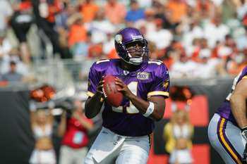 CINCINNATI, OH - SEPTEMBER 18:  Quarterback Daunte Culpepper #11 of the Minnesota Vikings drops back to pass against the Cincinnati Bengals during the NFL game at Paul Brown Stadium on September 18, 2005 in Cincinnati, Ohio.  (Photo by Andy Lyons/Getty Im