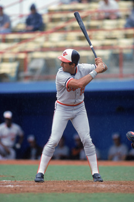1988:  Fred Lynn #19 of the Baltimore Orioles bats during a game in the 1988 season. (Photo by Scott Halleran/Getty Images)