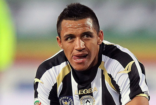 UDINE, ITALY - FEBRUARY 05:  Alexis Sanchez of Udinese Calcio reacts during the Serie A match between Udinese Calcio and UC Sampdoria at Stadio Friuli on February 5, 2011 in Udine, Italy.  (Photo by Gabriele Maltinti/Getty Images)