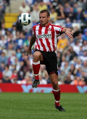 BIRMINGHAM, ENGLAND - APRIL 16:  Lee Cattermole of Sunderland during the Barclays Premier League match between Birmingham City and Sunderland at St Andrew's on April 16, 2011 in Birmingham, England.  (Photo by Ross Kinnaird/Getty Images)