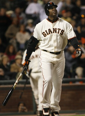 SAN FRANCISCO - AUGUST 24: Barry Bonds #25 of the San Francisco Giants watches his 761st home run, a solo shot off of Chris Capuano the Milwaukee Brewers during the fourth inning of a game August 24, 2007 at AT&T Park in San Francisco, California.   (Phot