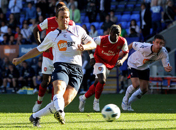 BOLTON, ENGLAND - APRIL 24:  Kevin Davies of Bolton Wanderers misses a penalty kick during the Barclays Premier League match between Bolton Wanderers and Arsenal at the Reebok Stadium on April 24, 2011 in Bolton, England. (Photo by Michael Steele/Getty Im