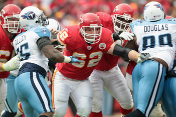 KANSAS CITY, MO - DECEMBER 26:  Casey Wiegmann #62 of the Kansas City Chiefs in action during the game against the Tennessee Titans on December 26, 2010 at Arrowhead Stadium in Kansas City, Missouri.  (Photo by Jamie Squire/Getty Images)