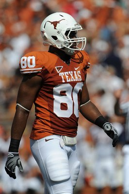 AUSTIN, TX - SEPTEMBER 26:  Defensive end Alex Okafor #80 of the Texas Longhorns at Darrell K Royal-Texas Memorial Stadium on September 26, 2009 in Austin, Texas.  (Photo by Ronald Martinez/Getty Images)