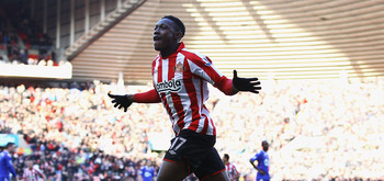 SUNDERLAND, ENGLAND - DECEMBER 18:  Danny Welbeck of Sunderland celebrates his goal during the Barclays Premier League match between Sunderland and Bolton Wanderers at Stadium of Light on December 18, 2010 in Sunderland, England.  (Photo by Matthew Lewis/