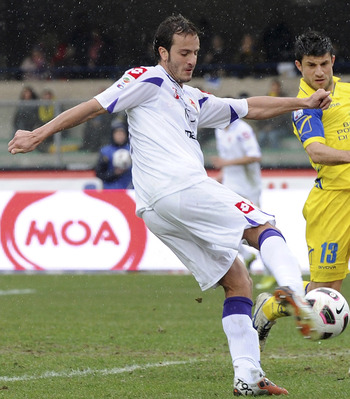 VERONA, ITALY - MARCH 13:  Alberto Gilardino of Fiorentina in action during the Serie A match between AC Chievo Verona and ACF Fiorentina at Stadio Marc'Antonio Bentegodi on March 13, 2011 in Verona, Italy.  (Photo by Dino Panato/Getty Images)