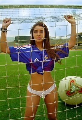 Sexy_soccer_11_display_image