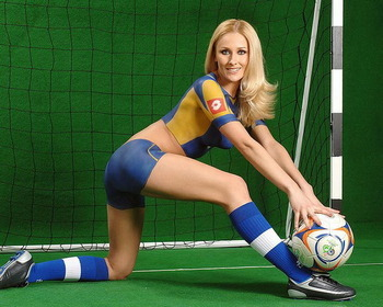 World-cup-girls-bodypainted-6_display_image