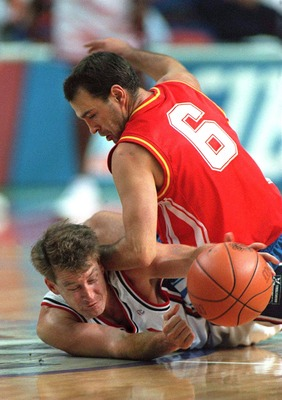 Mark Price. Oh, no, watch the knee.