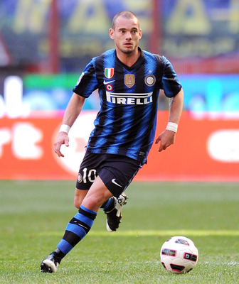MILAN, ITALY - MARCH 20:  Wesley Sneijder of Inter Milan in action during the Serie A match between FC Internazionale Milano and Lecce at Stadio Giuseppe Meazza on March 20, 2011 in Milan, Italy.  (Photo by Tullio M. Puglia/Getty Images)
