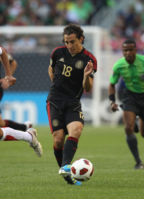 CHICAGO, IL - JUNE 12:  Andres Guardado #18 of Mexico controls the ball against Costa Rica during a CONCACAF Gold Cup 2011 match at Soldier Field on June 12, 2011 in Chicago, Illinois. Mexico defeated Costa Rica 4-1.  (Photo by Jonathan Daniel/Getty Image