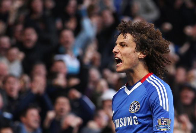 LONDON, ENGLAND - MARCH 20:  David Luiz of Chelsea celebrates as he scores their first goal during the Barclays Premier League match between Chelsea and Manchester City at Stamford Bridge on March 20, 2011 in London, England.  (Photo by Scott Heavey/Getty