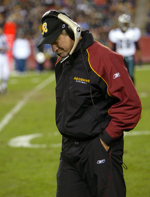 LANDOVER, MD - DECEMBER 27:  Head coach Steve Spurrier of the Washington Redskins paces the sidelines as the Philadelphia Eagles defeated the Redskins 31-7 during NFL action on December 27, 2003 at the Fed Ex Field in Landover, Maryland.  (Photo by Doug P