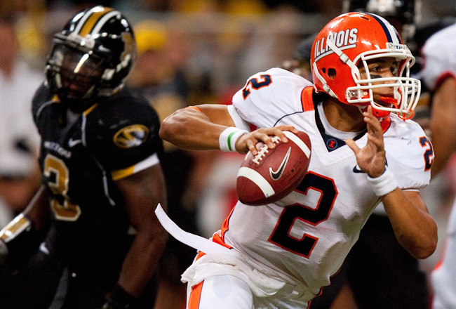 ST. LOUIS - SEPTEMBER 4: Nathan Scheelhaase #2 of the University of Illinois Fighting Illini scrambles against the University of Missouri Tigers during the State Farm Arch Rivalry game on September 4, 2010 at the Edward Jones Dome in St. Louis, Missouri.