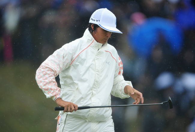 SANDWICH, ENGLAND - JULY 16:  Rickie Fowler of USA reacts to a putt during the third round of The 140th Open Championship at Royal St George's on July 16, 2011 in Sandwich, England. (Photo by Stuart Franklin/Getty Images)