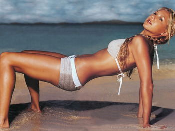 Anna-kournikova-beach-1600x1200_display_image