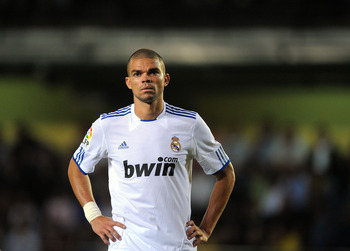 VILLARREAL, SPAIN - MAY 15:  Pepe of Real Madrid waits for a corner kick to be taken during the La Liga match between Villarreal and Real Madrid at estadio El Madrigal on May 15, 2011 in Villarreal, Spain.  (Photo by Denis Doyle/Getty Images)
