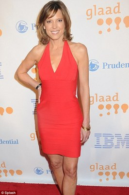 Linda Cohn Swimsuit Sports Center http://bleacherreport.com/articles/769206-power-ranking-the-50-all-time-espn-hotties