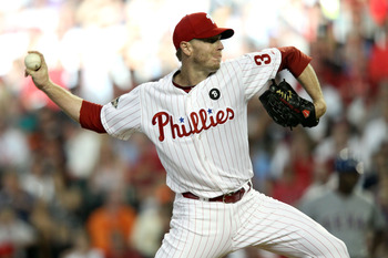 PHOENIX, AZ - JULY 12:  National League All-Star Roy Halladay #34 of the Philadelphia Phillies throws a pitch in the first inning of the 82nd MLB All-Star Game at Chase Field on July 12, 2011 in Phoenix, Arizona.  (Photo by Christian Petersen/Getty Images