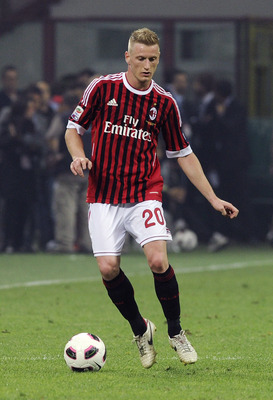 MILAN, ITALY - MAY 14:  Ignazio Abate of Milan in action during the Serie A match between AC Milan and Cagliari Calcio at Stadio Giuseppe Meazza on May 14, 2011 in Milan, Italy.  (Photo by Dino Panato/Getty Images)