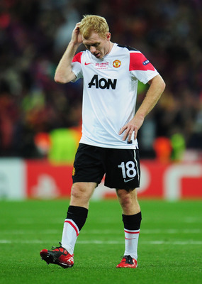 LONDON, ENGLAND - MAY 28:  Paul Scholes of Manchester United shows his dejection after the UEFA Champions League final between FC Barcelona and Manchester United FC at Wembley Stadium on May 28, 2011 in London, England.  (Photo by Shaun Botterill/Getty Im