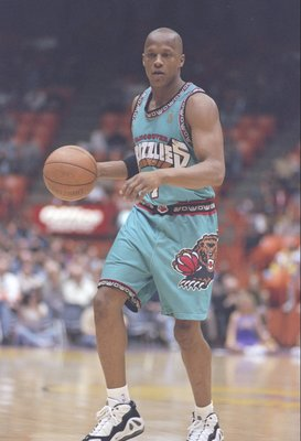 14 Jan 1997:  Guard Anthony Peeler of the Vancouver Grizzlies in action during a game against the Los Angeles Lakers at the Great Western Forum in Inglewood, California.  The Lakers won the game 91-81. Mandatory Credit: Elsa Hasch  /Allsport