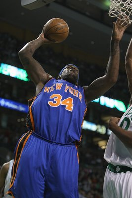 BOSTON - FEBRUARY 13:  Eddy Curry #34 of the New York Knicks takes the ball to the basket against the Boston Celtics during the game on February 13, 2008 at the TD Banknorth Garden in Boston, Massachusetts. The Boston Celtics defeated the New York Knicks