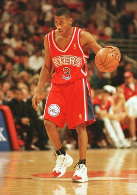 2 Nov 1996:  Allen Iverson of the Philadelphia 76ers moves the ball up the court during a 115-86 loss to the Chicago Bulls at the United Center in Chicago, Illinois. Mandatory Credit: Jonathan Daniel/Allsport