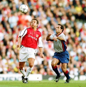 22 May 2001: Paul Merson of Arsenal in action during  the David Seaman Testimonial match between Arsenal and Barcelona at Highbury, London. Mandatory Credit: Jamie McDonald/ALLSPORT