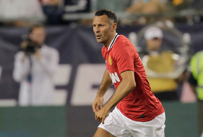 FOXBORO, MA - JULY 13:  Ryan Giggs #11 of Manchester United competes against the New England Revolution during a friendly match at Gillette Stadium on July 13, 2011 in Foxboro, Massachusetts. (Photo by Jim Rogash/Getty Images)