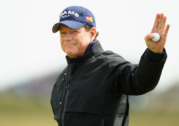 SANDWICH, ENGLAND - JULY 17:  Tom Watson of the United States reacts to the crowd on the 9th hole during the final round of The 140th Open Championship at Royal St George's on July 17, 2011 in Sandwich, England.  (Photo by Scott Halleran/Getty Images)
