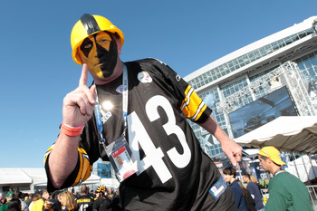 ARLINGTON, TX - FEBRUARY 06: A Pittsburgh Steelers fan poses before Super Bowl XLV at Cowboys Stadium on February 6, 2011 in Arlington, Texas.  (Photo by Jamie Squire/Getty Images)
