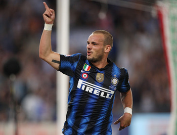 ROME, ITALY - MAY 29:  Wesley Sneijder of FC Internazionale Milano celebrates after the goal scored by Samuel Eto'o during the Tim Cup final between FC Internazionale Milano and US Citta di Palermo at Olimpico Stadium on May 29, 2011 in Rome, Italy.  (Pho