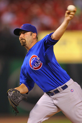 ST. LOUIS, MO - JUNE 3: Reliever John Grabow #43 of the Chicago Cubs pitches against the St. Louis Cardinals at Busch Stadium on June 3, 2011 in St. Louis, Missouri.  (Photo by Dilip Vishwanat/Getty Images)