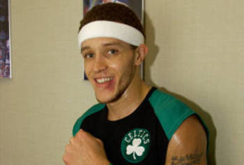 Delonte-west-celtic-pride_display_image