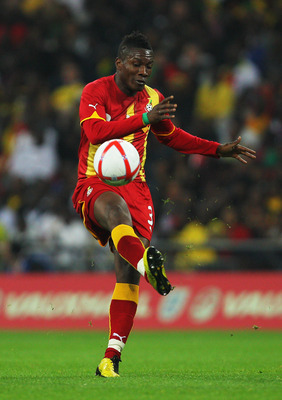 LONDON, ENGLAND - MARCH 29:  Asamoah Gyan of Ghana in action during the international friendly match between England and Ghana at Wembley Stadium on March 29, 2011 in London, England.  (Photo by Clive Rose/Getty Images)