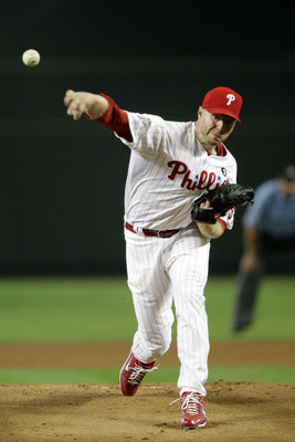PHOENIX, AZ - JULY 12:  National League All-Star Roy Halladay #34 of the Philadelphia Phillies throws a pitch in the first inning of the 82nd MLB All-Star Game at Chase Field on July 12, 2011 in Phoenix, Arizona.  (Photo by David J. Phillip/Pool/Getty Ima