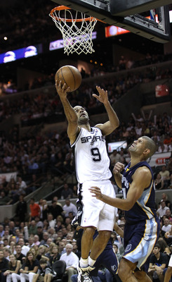SAN ANTONIO, TX - APRIL 27:  Tony Parker #9 of the San Antionio Spurs shoots over Shane Battier #31 of the Memphis Grizzlies in Game Five of the Western Conference Quarterfinals in the 2011 NBA Playoffs on April 27, 2011 at AT&T Center in San Antonio, Tex