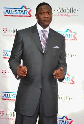 LOS ANGELES, CA - FEBRUARY 20:  Former NBA player Dominique Wilkins arrives to the T-Mobile Magenta Carpet at the 2011 NBA All-Star Game on February 20, 2011 in Los Angeles, California.  (Photo by Alberto E. Rodriguez/Getty Images)