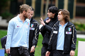 FLORENCE, ITALY - NOVEMBER 15:  Daniele De Rossi, Alberto Aquilani and Andrea Pirlo during an Italy Training Session at Coverciano on November 15, 2010 in Florence, Italy.  (Photo by Claudio Villa/Getty Images)