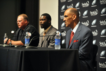 PHILADELPHIA - AUGUST 14: Michael Vick of the Philadelphia Eagles speaks at a press conference at the NovaCare Complex on August 14, 2009 in Philadelphia, Pennsylvania. Vick signed a one-year contract, with a second year option, with the Eagles.  (Photo b