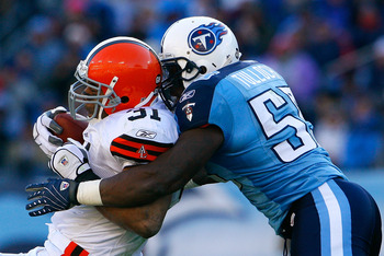 NASHVILLE, TN - DECEMBER 07:  Stephen Tulloch #55 of the Tennessee Titans tackles running back Jamal Lewis #31 of the Cleveland Browns during the game on December 7, 2008 at LP Field in Nashville, Tennessee.  (Photo by Kevin C. Cox/Getty Images)