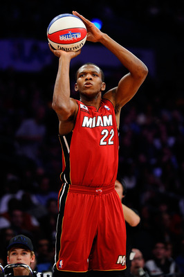 LOS ANGELES, CA - FEBRUARY 19:  James Jones #22 of the Miami Heat competes in the Foot Locker Three-Point Contest apart of NBA All-Star Saturday Night at Staples Center on February 19, 2011 in Los Angeles, California.  (Photo by Kevork Djansezian/Getty Im