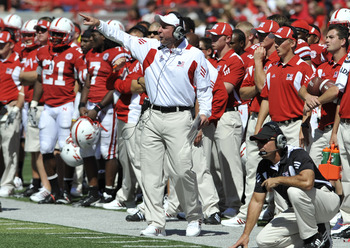 LINCOLN, NE - SEPTEMBER 11: Nebraska Cornhuskers HEad Coach Bo Pelini (center) coaches his defense during second half action of their game at Memorial Stadium on September 4, 2010 in Lincoln, Nebraska. Nebraska Defeated Idaho 38-17. (Photo by Eric Francis